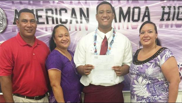 Frederick Mauigoa with family members after signing with Washington State. [photo: Scout.com]