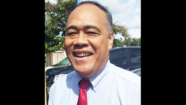 Taeoafua Dr. Meki Solomona, director of the Department of Human and Social Services, passed away suddenly, yesterday afternoon. He reportedly collapsed at his DHSS office in Utulei. Samoa News sends its condolences to the family in their time of grief.  [SN archives]