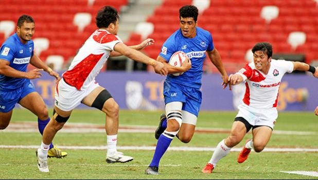 A long Samoa try spells doom for the rising success of Japan in Samoa's 26-14 victory at the Singapore HSBC Sevens, Day 2, National Stadium, Singapore. [Photo: Barry Markowitz]
