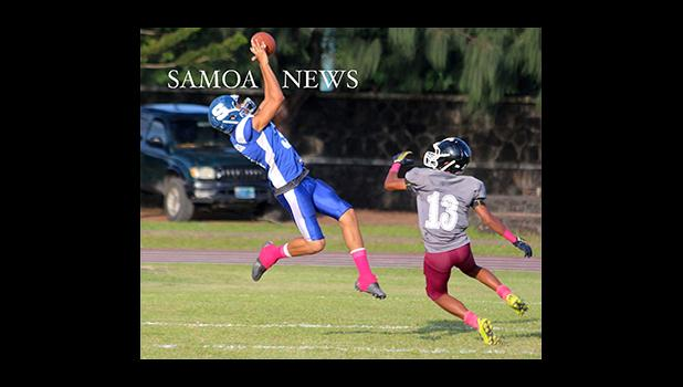 The opening touchdown of the Samoana and Tafuna Junior Varsity match up last Friday evening – a long pass out the Jurgen Krusen that was caught in the end zone for six early in the opening quarter of the JV game. Unfortunately, they lost against the Warriors 24 - 22. [photo: TG]