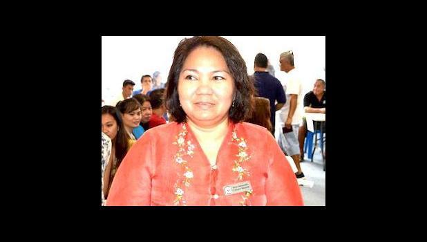 Konesula a Filipino i Hawaii ia Joselilo A. Jimeno i le taimi na malaga mai ai i Amerika Samoa i le tausaga na te'a nei. [ata AF]