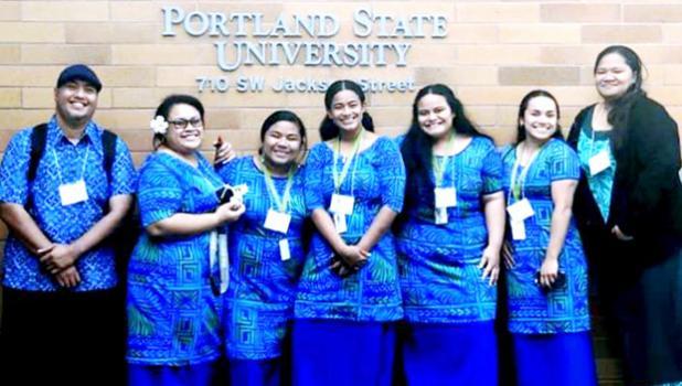 ASCC BUILD EXITO career mentors Derek Helsham (far left) and Tala Ropeti-Leo (far right) joined the five ASCC students