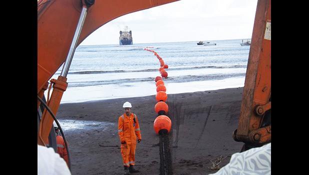 Tui Samoa cable brought ashore [Photo: RNZI Autagavaia Tipi Autagavaia]