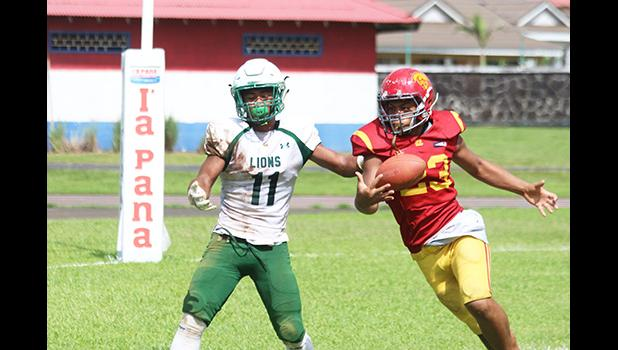 Tafuna Warriors Ieremia Ieremia intercepting a pass intended
