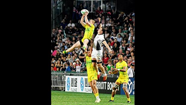 NZ All Blacks battled on a kickoff