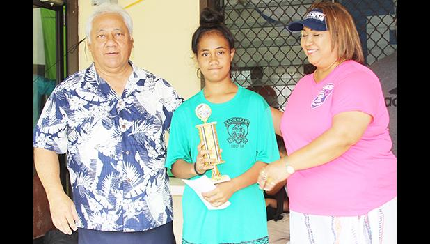 Paulia Fa'asao'o receives her MVP award