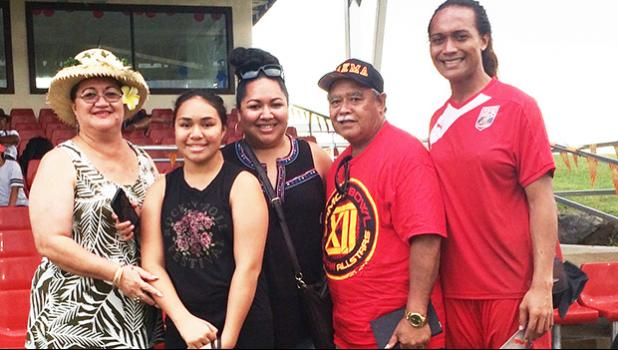 Jaiyah Saelua (far right) with his father, Fiu Johnny Saelua (2nd from right), and mother, Catherine Saelua (far left) and relatives