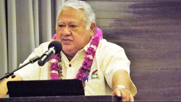 Tuilaepa Sailele Malielegoai at podium