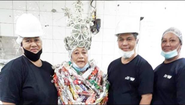 (l-r) Lead Main Pack Seneuefa Faoasau, Epi Schuster, Supervisor So'o Maanaima, and Lead Fish Cleaner Tausala Tuimaseve