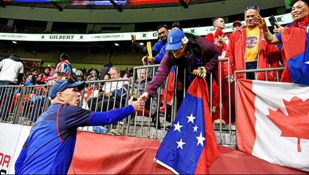 ir Gordon Tietjens greeted excited Manu Samoa fans