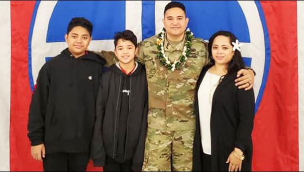 SFC/E7 Christopher Fielding with family