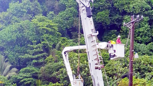 ASPA linemen replacing transformer