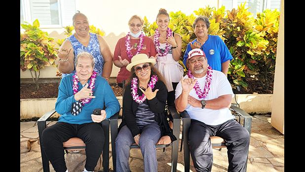 Veterans waving thank you to Hawaii VA