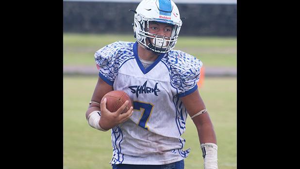 Samoana High School's JV quarterback, Viliamu Tanielu
