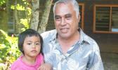 HELD BY POLICE: Eti Sapolu with his 3 year old daughter Malu Sapolu. (Photo: Lanuola Tupufia – Ah Tong)