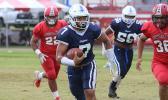 Samoana Sharks quarterback Viliamu 'Jamu' Tanielu sprinting