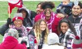 Washington State's Frankie Luvu 'emotional' after dads first trip to see him play in Pullman. [screenshot from video, via Seattle Times]